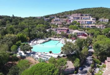 Visite-Privee-Video aerienne-Grimaud 2