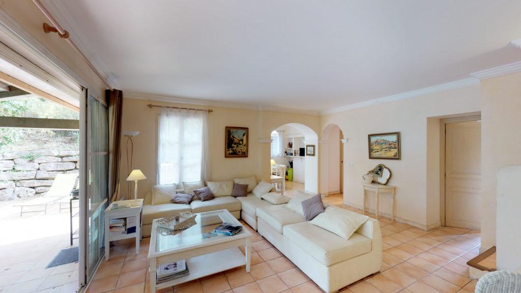 vendre sa maison rapidement gr ce la visite 3d r ve ou. Black Bedroom Furniture Sets. Home Design Ideas